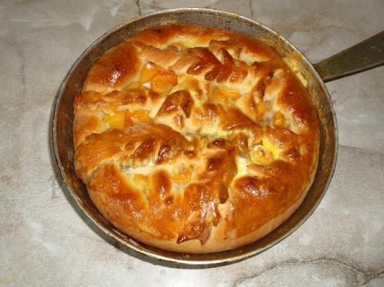 печём абрикосовый пирог