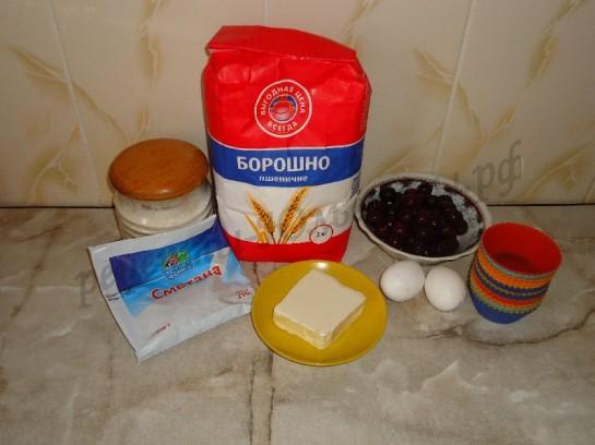 ингредиенты для кексов с вишней