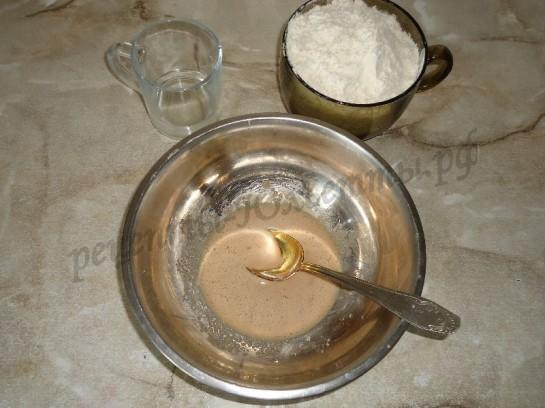 пошаговый фото рецепт дрожжевого теста для пирожков и булочек 2