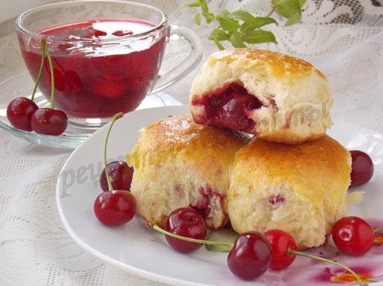 рецепт печёных пирожков с вишнями