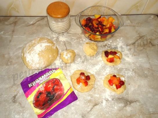 булочки с фруктами 4