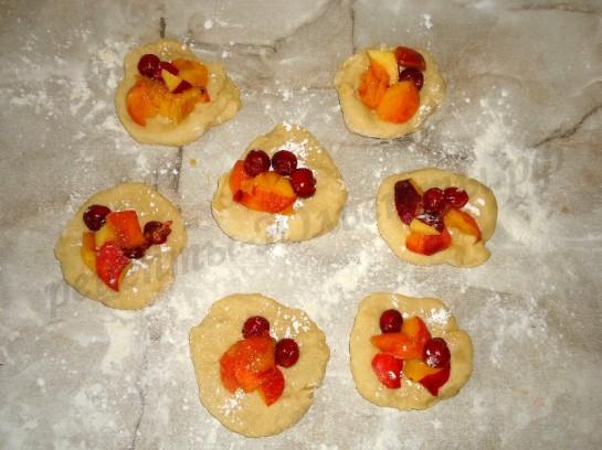 булочки с фруктами 5