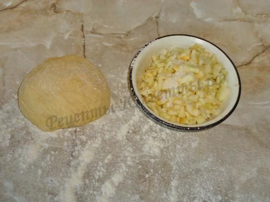 жареные пирожки с яблоком фото 2