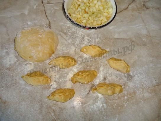 жареные пирожки с яблоком фото 4