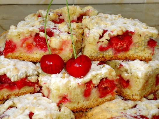 тертый пирог с вишней фото