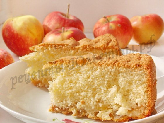простой яблочный пирог шарлотка