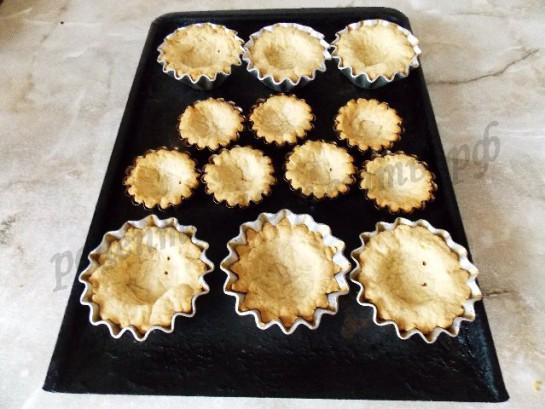 выпекаем песочную основу для пирожных