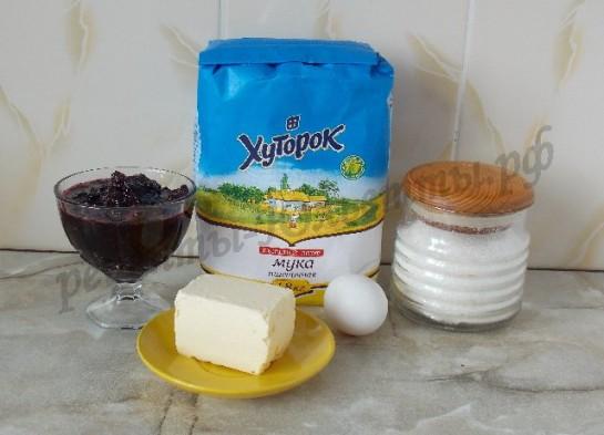 ингредиенты для песочных пирожных со смородиной