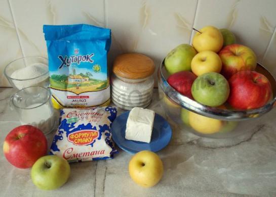 ингредиенты для манника с яблоками