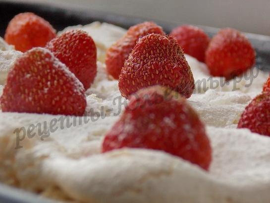 пирожное с клубникой фото