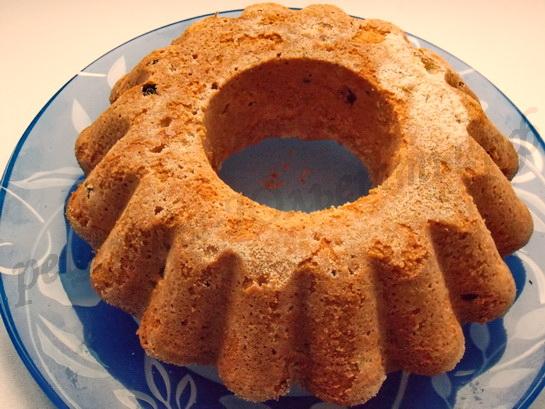 достаём пирог из формы