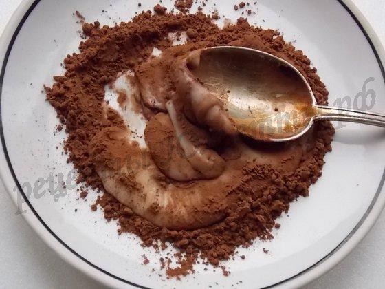 в часть глазури добавляем какао