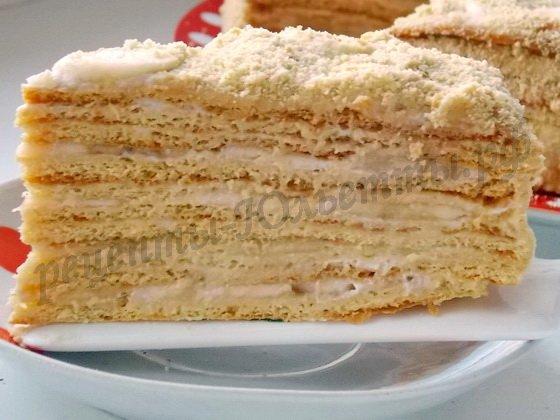 медовый торт с бананами и сметанным кремом