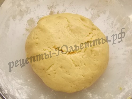 замешиваем мягкое тесто