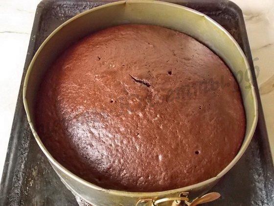 выпекаем торт на кипятке