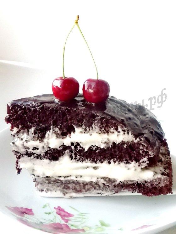шоколадный торт на кипятке готов