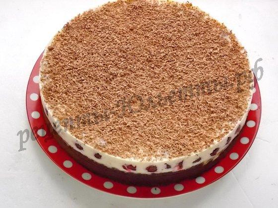 достаём торт из формы