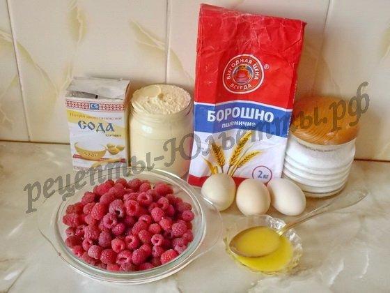 ингредиенты для бисквитного рулета с малиной и сливками