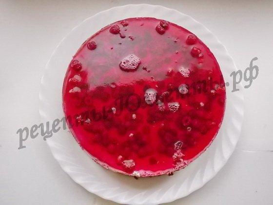 желейный торт с малиной