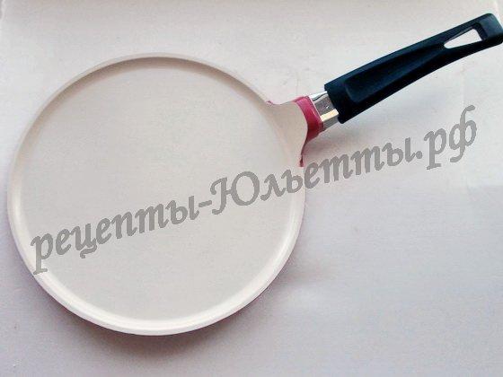сковорода с белым керамическим покрытием