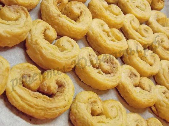 печенье слоёные ушки с корицей готово