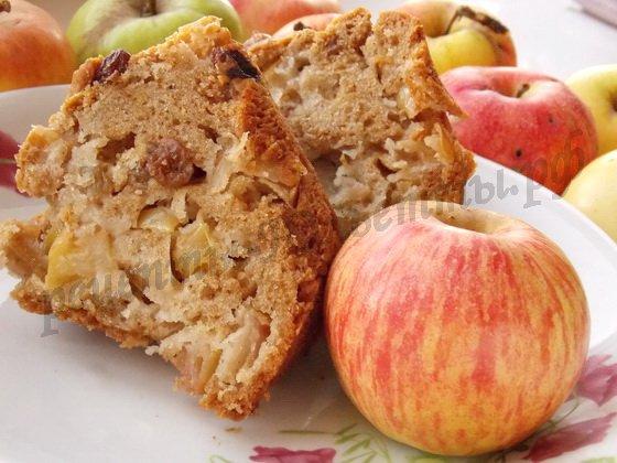 яблочный кекс с корицей и изюмом