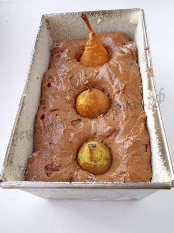 как испечь шоколадный кекс с грушами
