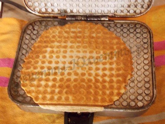 выпекаем цельнозерновые вафли в вафельнице