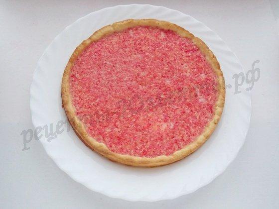 переместим готовый пирог с грейпфрутами на блюдо