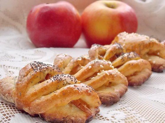 вкусная выпечка с творогом и яблоками