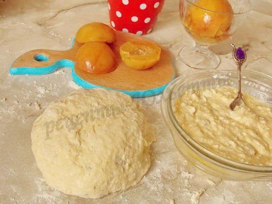 подготовим тесто, начинку и персики