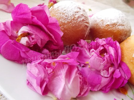 пончики с лепестками роз