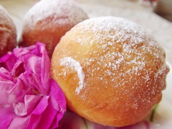 пончики с лепестками чайных роз