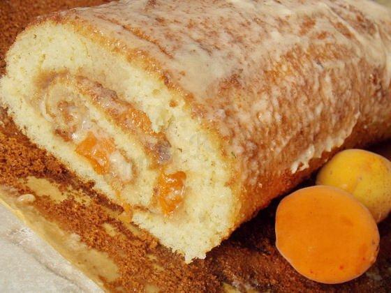 рецепт рулета с абрикосами и кремом