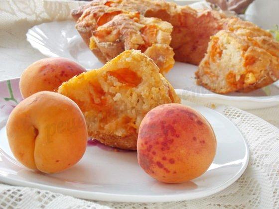 манник с абрикосами на ряжанке