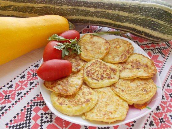 Как сделать оладушки из кабачков с мясом