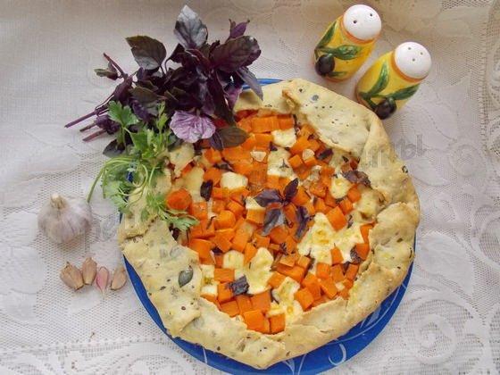тыквенный пирог с  брынзой