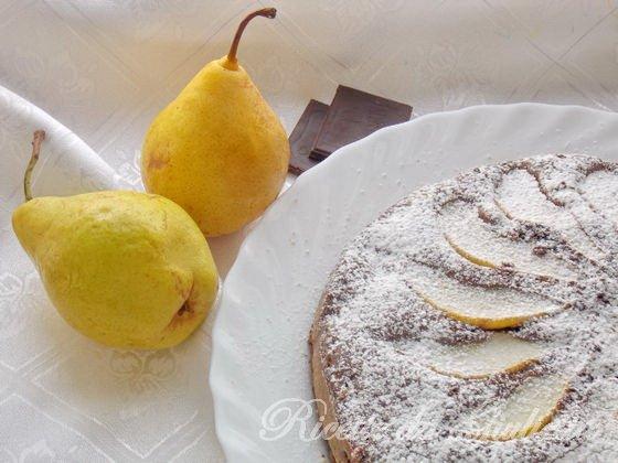 cospargete la torta con zucchero a velo