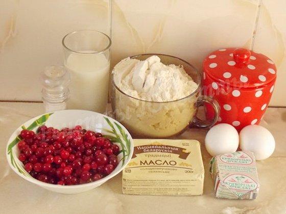 ингредиенты для булочек с клюквой
