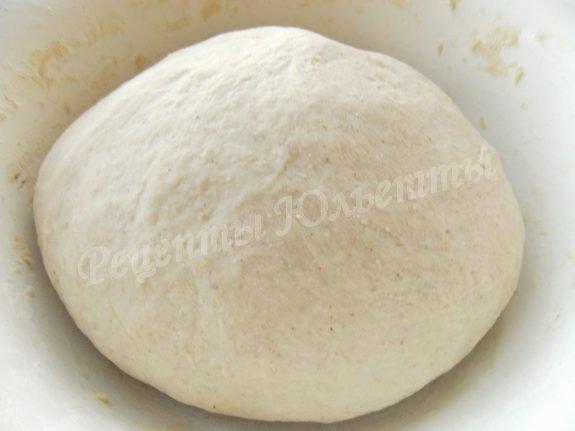 вымешиваем тесто и ставим в тепло