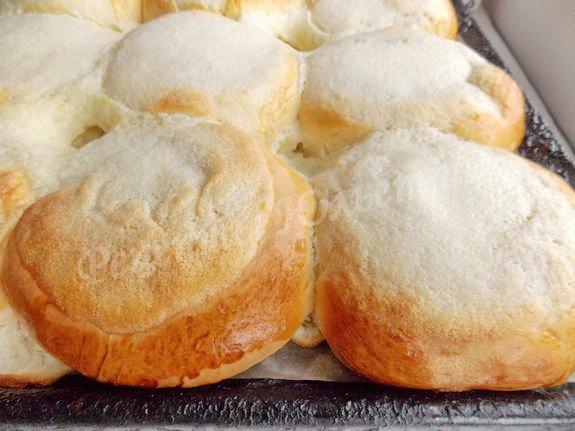 выпекаем булочки со сметаной