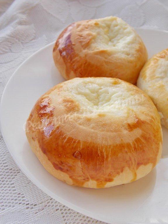 домашние булочки со сметанной начинкой