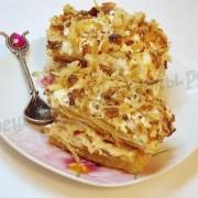 пирожное из слоёного теста со сливочным кремом