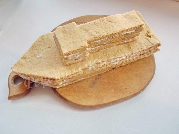 заготовка для торта из медовых коржей