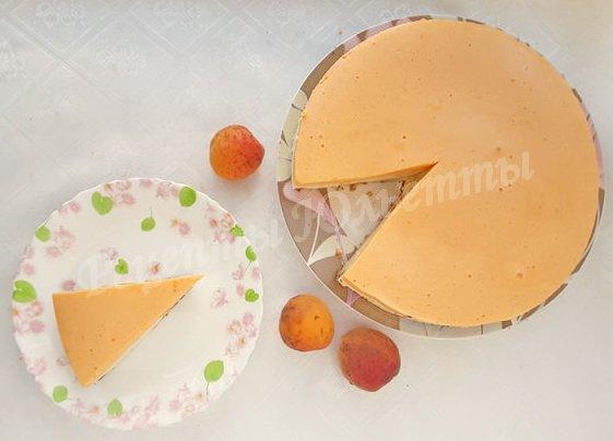 торт-суфле с абрикосами