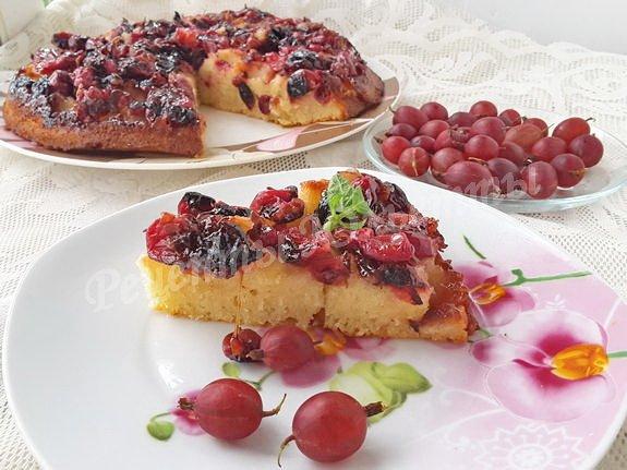 перевёрнутый пирог с ягодами крыжовника