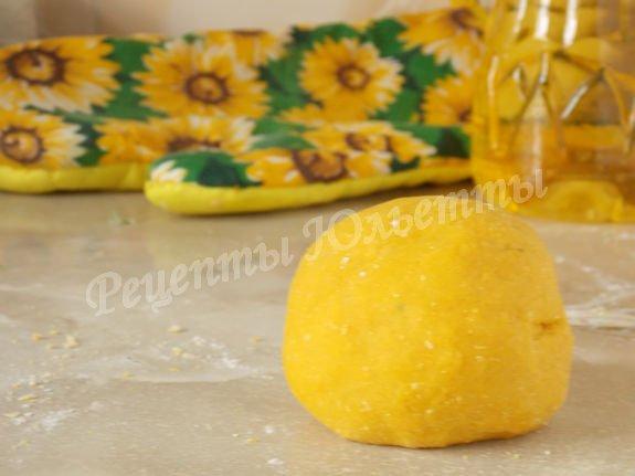 тесто для солнечно-жёлтой лапши