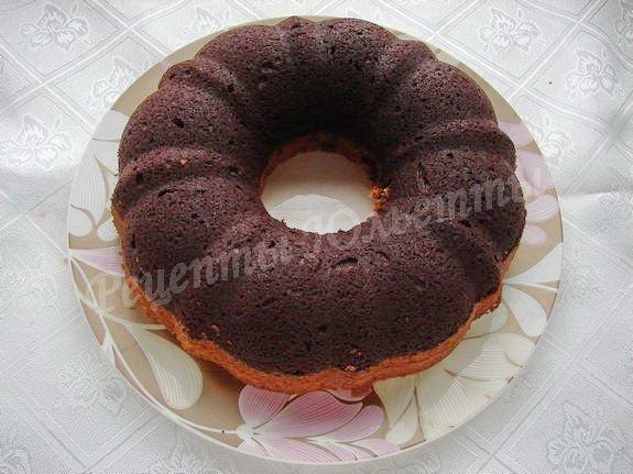 выкладываем кекс на блюдо