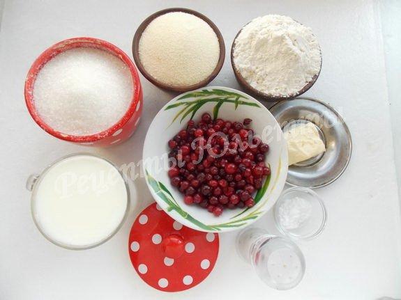 ингредиенты для манника на кефире с клюквой