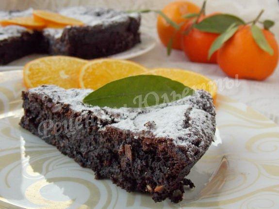 торт с какао, шоколадом, фундуком и апельсином
